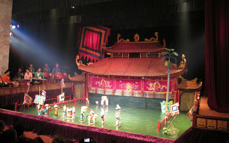 2-thang_long_water_puppet_theatre2