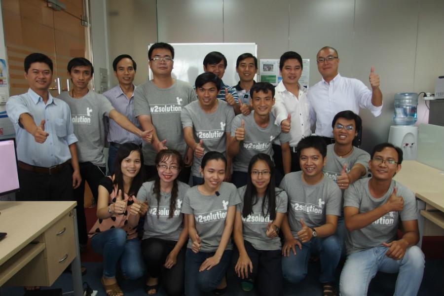 勉強熱心で明るいベトナム人と、ベトナム進出はぜひEVOLABLE ASIAへ。